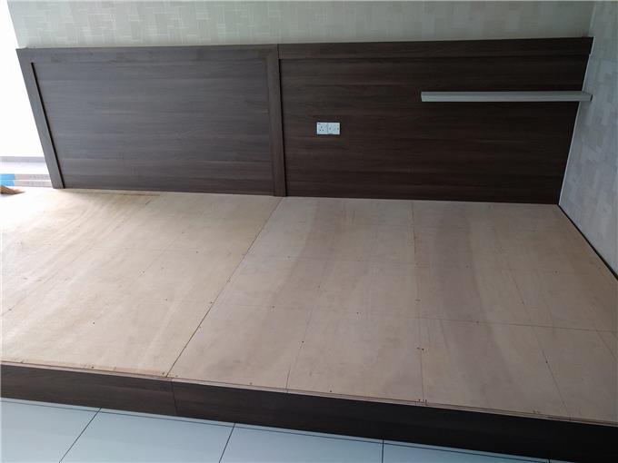 Robina On Invaber Laminate Floor Board 8mm Robina Laminate Floor